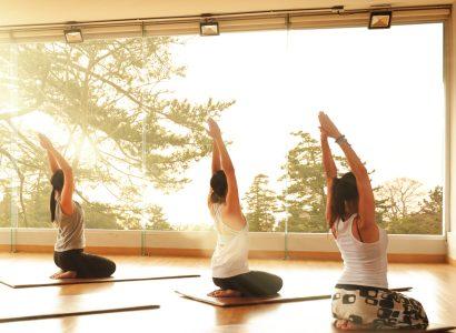Yoga & Vibrant Live Music